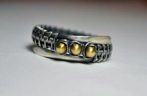 Серебряное кольцо с бусинами №2