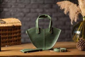 """Вечерние женские сумки Зелёная кожаная сумка через плечо """"Love"""""""