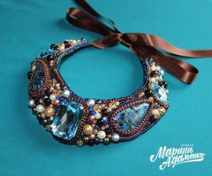 Адаменко (Разоренова) Марина Колье с варисцитами и кристаллами Сваровски