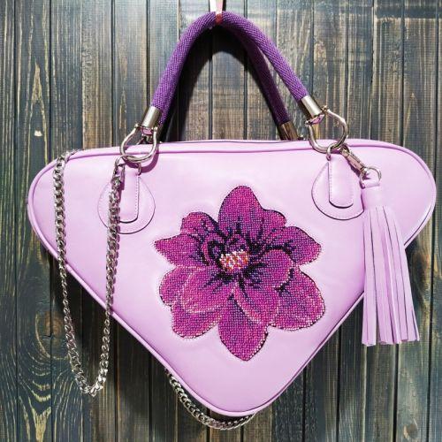 Авторская женская сумка из натуральной кожи с вышивкой бисером