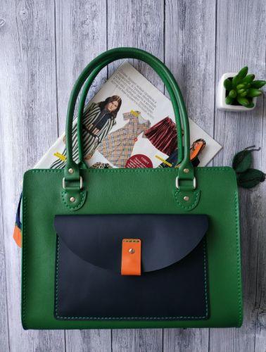 Стильна шкіряна жіноча сумка