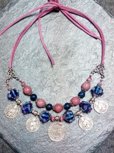 Ожерелье из родонита НЕБЕСНЫЕ РУЖИ