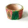Браслет з дерева в африканському стилі