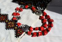 """Ожерелье из крупного коралла """"Красное и черное"""""""