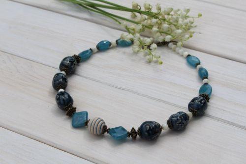 "Ожерелье из керамики и аквамарина ""Глубина"""