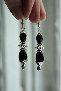 Чёрные сережки Черные длинные серьги с агатов и стекла