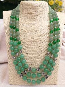 Билокопита Оксана Ожерелье из натурального камня, нефрит