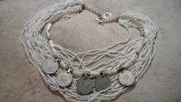 Ожерелье коралловое с монетами