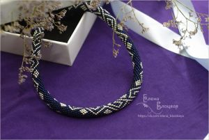 Beaded necklaces 4 ромба