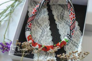 Beaded necklaces Маки на вишиванці