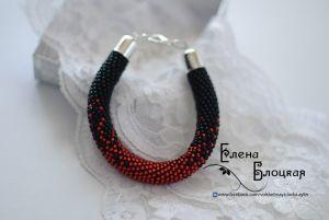 Чёрный браслет Чорная кровь