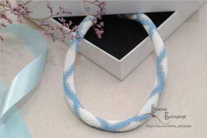 Ожерелья и колье ручной работы Голубое