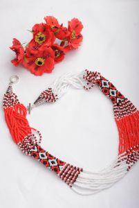 Ожерелье из бисера Классик