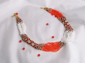 """Ожерелье из бисера """"Оранжевое"""""""