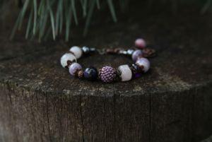 Браслет из аметиста Женский браслет с сиреневыми камнями. Аметист, розовый кварц, авантюрин