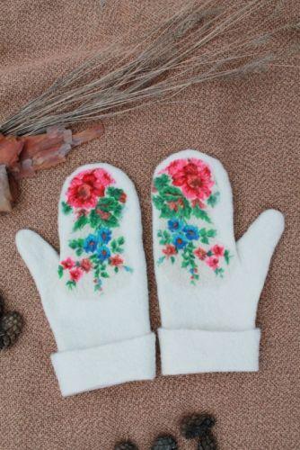Валяные перчатки Беленькие