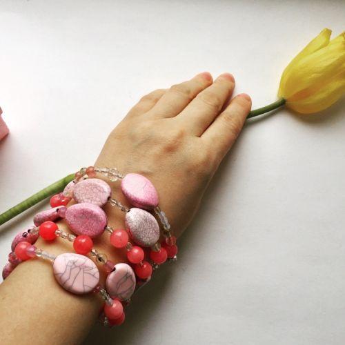 Браслет с розовым сердоликом