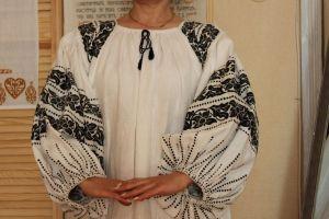 Блузи Сорочка з пухликами