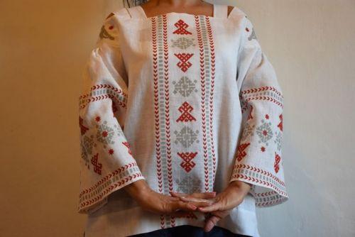 Блузка на бретельках