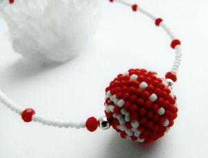 Ожерелье из дерева Минималистик с бусиной Красно-белое