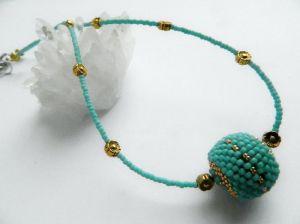 Ожерелье из дерева Минималистик с бусиной Бирюза+золото