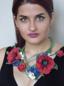 Колье из кожи Цветы Украины