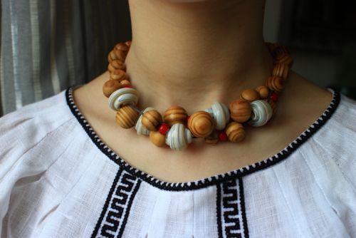 Ожерелье Обильное Белое