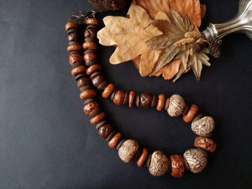 Осінні буси з горішками та керамікою