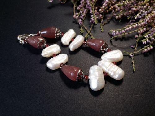 Рожевий браслет з перлами, гранатом кварцем та сріблом