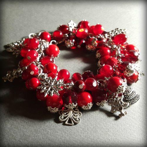 Яскраво-червоний браслет Різдво