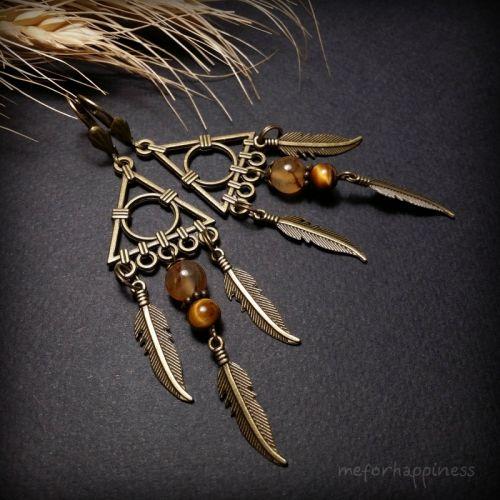 Треугольные бронзовые серьги с перьями с агатом и тигровым глазом