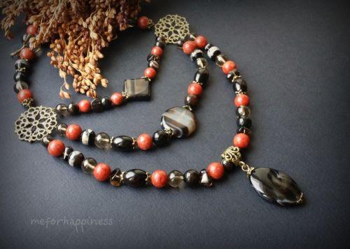 Коралл агат и раухтопаз. Ожерелье в 3 ряда с бронзой и подвеской