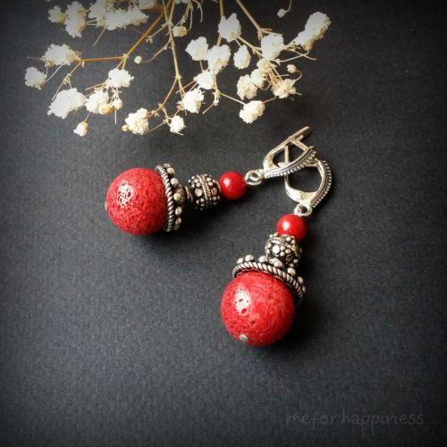 Червоні сережки з коралом