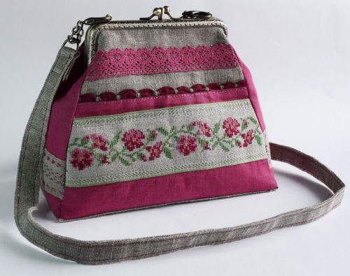 Женская авторская сумочка из домотканого полотна Мальва