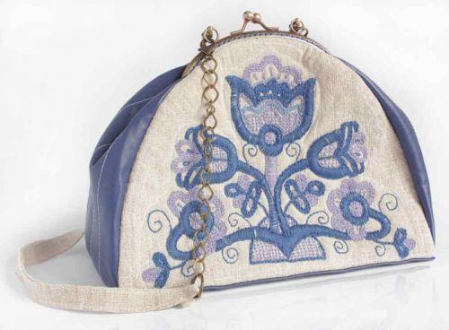 """Авторская вышитая сумочка из домотканого полотна """"Синяя цветок"""""""