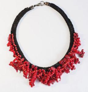 Ожерелье из шерсти Красное и черное