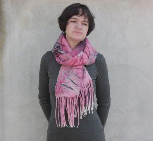Валяный шарфик лепестки со вкусом бордо