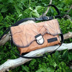 Повседневные женские сумки Кожаная сумка–клатч «Sand dunes»
