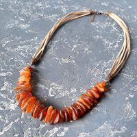 Колье из натурального необработанного янтаря