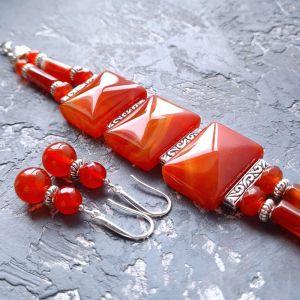 Комплекты Комплект из натурального сердолика браслет двурядный и серьги