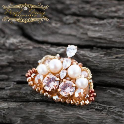 Брошка Корона, техніка золотої вишивки з перлів