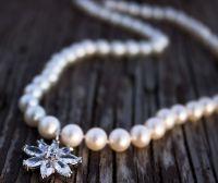 Кольє святкове натуральні перли і циркони квітка