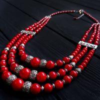 """Ожерелье трехрядное коралловое """"Напевы"""""""