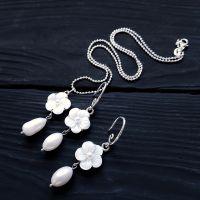 Комплект з натуральних перлів та перламутру білі квіти