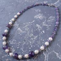 Намисто з натуральних перлів та аметисту