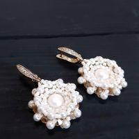 Позолочені сережки з натуральними перлами та кристалами