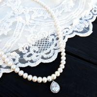 Натуральный жемчуг, серебро и цирконы колье праздничное свадебное