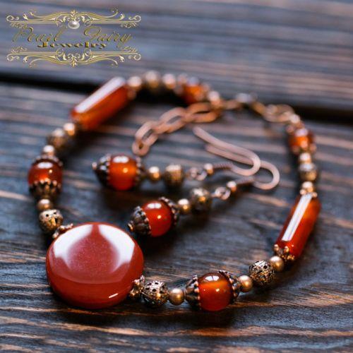 Комплект из натурального сердолика браслет и серьги