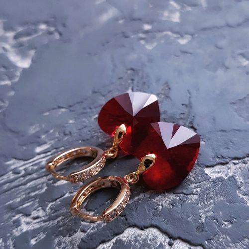 Сережки з кристалами Swarovski серце у позолоті