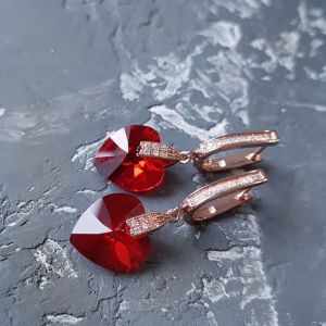 Серьги ручной работы Серьги Swarovski сердце красное